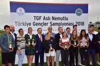 MEHMET ÇALıŞKAN - Golf Turnuvası Kazananları Kupalarını Ağaoğlu'nun Elinden Aldı
