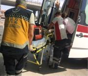 ERKILET - Karşıdan Karşıya Geçmeye Çalışan Çocuk Kazada Ağır Yaralandı