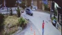 ARAÇ KAMERASI - Motosiklet Sürücüsünün Ölümden Kıl Payı Kurtulduğu Anlar Kamerada