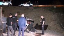 HATIPLI - Otomobil İnşaat Alanına Devrildi Açıklaması 2 Yaralı
