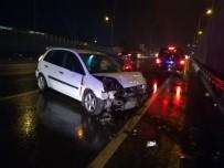 FARABI - Tırın Sıkıştırdığı Otomobil Kaza Yaptı Açıklaması 4 Yaralı