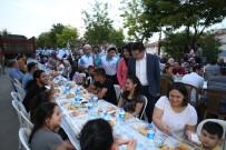 KARAHASANLı - Başkan Subaşoğlu, İlçe Sakinleri İle İftarda Bir Araya Geldi