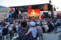 MÜSLÜMANLAR - Bereket Konvoyu Makedonya'da