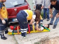 MOTOSİKLET SÜRÜCÜSÜ - Bilecik'te Trafik Kazası, 1 Kişi Yaralandı