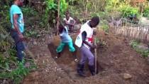 SAĞLıK BAKANLıĞı - Demokratik Kongo'da Ebola'dan Ölenlere Güvenli Defin