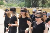 İSTIKLAL MARŞı - Engellileri Anlamak İçin Kampüste Gözleri Kapalı Yürüdüler