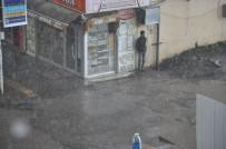 METEOROLOJI - Kars'ta Sağanak Yağış Hayatı Olumsuz Etkiledi