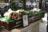 CUMHURİYET HALK PARTİSİ - Kazada Ölen Diş Hekimi Toprağa Verildi