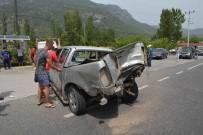 TİCARİ ARAÇ - Köyceğiz'de Zincirleme Kaza; 6 Yaralı