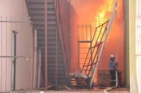 SERBEST BÖLGE - Mersin'de Soğuk Hava Deposunda Yangın