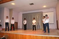 GAZİ İLKÖĞRETİM OKULU - Öğrencilerin Tiyatro Gösterisi