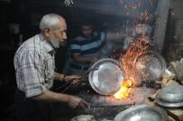 SİZCE - Ramazan'da 90 Derecelik Ateşin Başında Zorlu Mesai