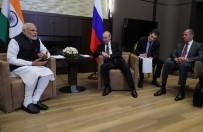 NARENDRA MODI - Putin Ve Modi Bir Araya Geldi