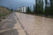 HASTANE - Sağanak Yağmur Yolları Göle Çevirdi