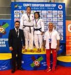 ALTIN MADALYA - Salihlili Judocu Polonya'dan Gümüş Madalya İle Döndü