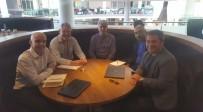 İNGILTERE - Tolunay Kafkas, İngiltere Futbol Federasyonu Yetkilileri İle Bir Araya Geldi