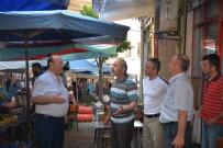 MESUT ÖZAKCAN - Başkan Özakcan, Salı Pazarını Ziyaret Etti