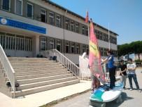 BEDEN EĞİTİMİ ÖĞRETMENİ - Burhaniye'de Ortaokul Öğrencilerine Sörf Eğitimi Verildi