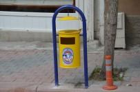 ÇÖP KUTUSU - Emet'te Çöp Kutuları Yenilendi