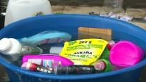 BUZDOLABı - Erzurumlular Çamurlu Suyla Dolan Evlerini Temizliyor