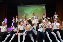 KONYAALTI BELEDİYESİ - Konyaaltı'nda Dans Tiyatrosu Büyüledi