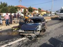 YOL ÇALIŞMASI - Kuşadası'nda Trafik Kazası, 3 Yaralı