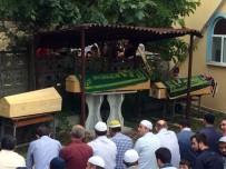 YILMAZ TUNÇ - Trafik Kazasında Hayatını Kaybeden 3 Kişilik Aile Toprağa Verildi