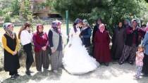 ŞEHMUS GÜNAYDıN - Uzman Çavuşun Eşi Cenaze Törenine Gelinliğiyle Katıldı