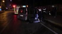 TİCARİ ARAÇ - Adana'da Trafik Kazası Açıklaması 2 Yaralı
