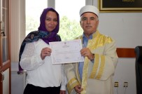 MÜFTÜ YARDIMCISI - Avustralyalı Sonia Müslüman Oldu