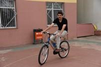 MUSTAFA ÖZSOY - Başiskele'de Öğretmenlere Bisiklet Hediye Edildi