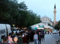 TAŞDELEN - Çankaya Belediyesi Ramazan Ayı Dolayısıyla İftar Yemekleri Vermeye Devam Ediyor