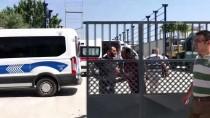 GERİ DÖNÜŞÜM - Depo Yapımında Çalışan İşçiler Elektrik Akımına Kapıldı