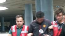 TAKSİ ŞOFÖRÜ - Genç Kadını Araçtan Atan Taksici Adliyeye Getirildi