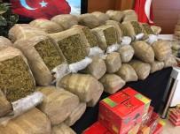 İSTANBUL EMNİYET MÜDÜRLÜĞÜ - Hurma Ve Helva Paketlerine Uyuşturucu Saklayan Zehir Tacirleri Yakalandı