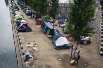 SIĞINMACI - Paris'teki Sığınmacı Kampları Kaldırılıyor