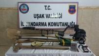KAÇAK KAZI - Uşak Jandarması Definecileri Suçüstü Yakaladı
