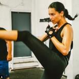 BOKS - Adriana Lima'dan boks şov