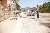 KALDIRIM ÇALIŞMASI - Alanya'da Parke Ve Kaldırım Taşı Çalışması