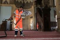 MEHMET KAYA - Battalgazi Belediyesi Camilerin Temizliğine Devam Ediyor