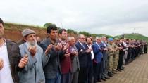 TERÖRİSTLER - Bingöl'de Şehit Edilen 33 Asker Anıldı