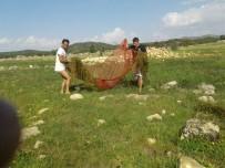YEŞILDAĞ - Çayırlarda Su Birikintilerindeki Balıkları Ölümden Kurtardılar