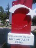 SOSYAL PAYLAŞIM - Isparta'da Şehidin Anıtına Saygısızlık