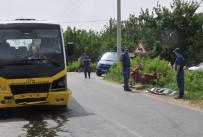 MOTOSİKLET SÜRÜCÜSÜ - Motosiklet İle Minibüs Çarpıştı Açıklaması 1 Ölü, 1 Ağır Yaralı