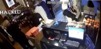 GÜVENLİK KAMERASI - Müşteri Gibi Lokantaya Girdi Malezyalı Turistin Çantasını Çaldı
