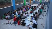 YETİM ÇOCUK - Suriyeli Yetimler İftar Sofrasında Buluştu