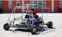 KASTAMONU ÜNIVERSITESI - Lise öğrencisi hurdadan topladığı malzemelerle araba yaptı