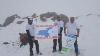 VAN GÖLÜ - Van Gölü'ne Dikkat Çekmek İçin Süphan Dağı'na Zirve Yaptılar