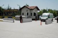İBNİ SİNA HASTANESİ - Barutsan Fabrikası'ndaki Patlamada Hayatını Kaybeden İşçi Son Yolculuğuna Uğurlandı