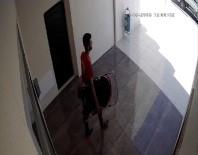 SELAHATTIN EYYUBI - Bebek Arabası Hırsızları Önce Kameralara Sonra Polise Yakalandı